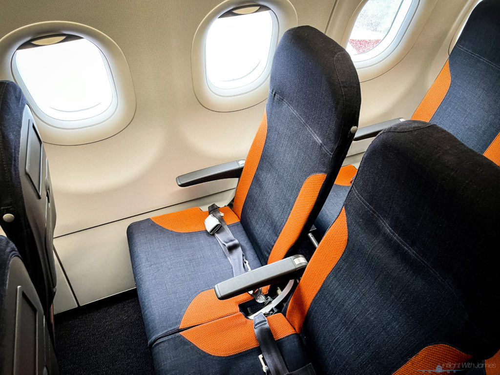EasyJet A320 seating